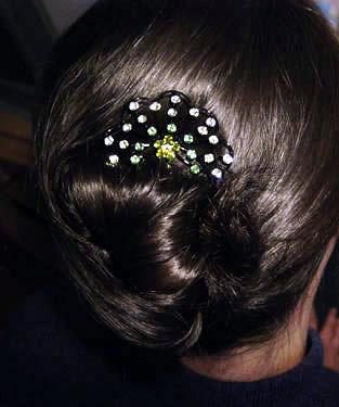 用簪子挽成古典头发 四种发簪盘发教程图片