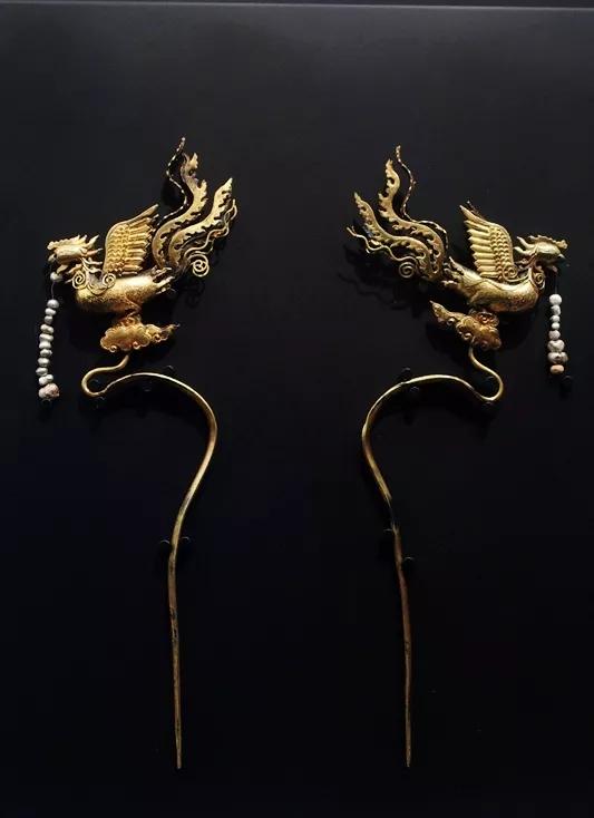 大明藩王墓出土的黄金发簪