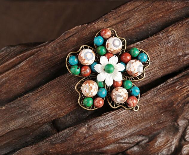 五瓣花朵古典小清新胸针,复古风胸花饰品