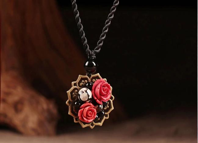 红朱砂玫瑰吊坠锁骨链古典时尚项链