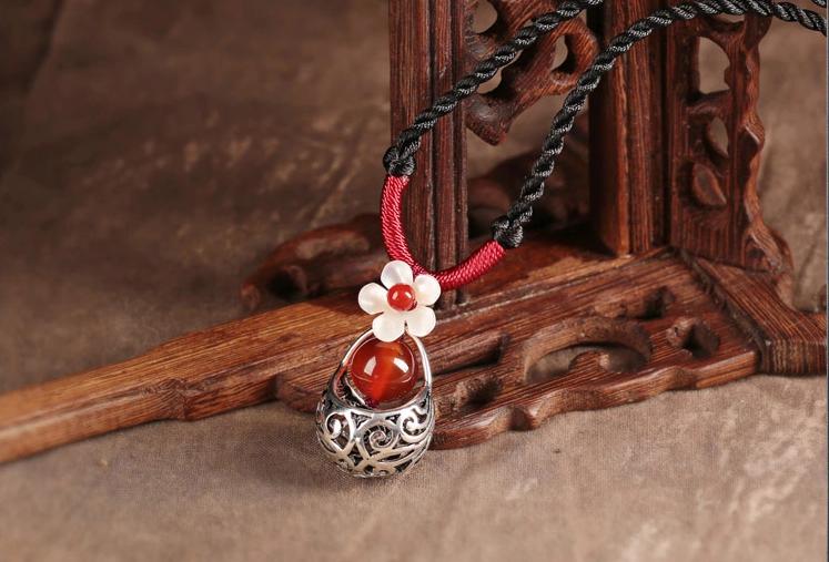 古银红玛瑙贝壳雕花吊坠锁骨链复古风项链